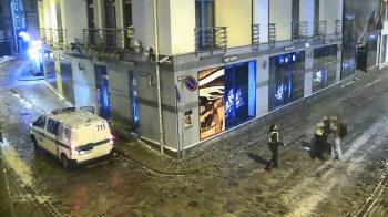 飯店都關了!情侶廁所激情完…街頭再開戰 監視器全都錄