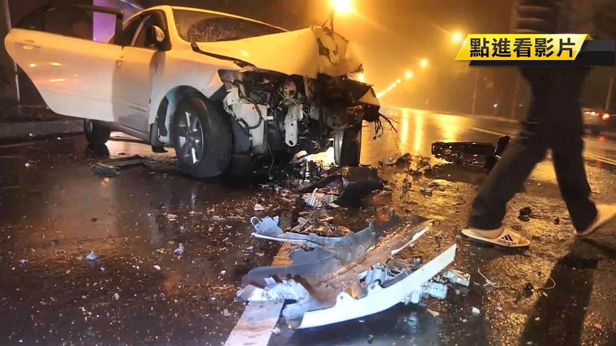 車速表停在100!36歲廚師失控打滑 猛撞路樹噴血慘死