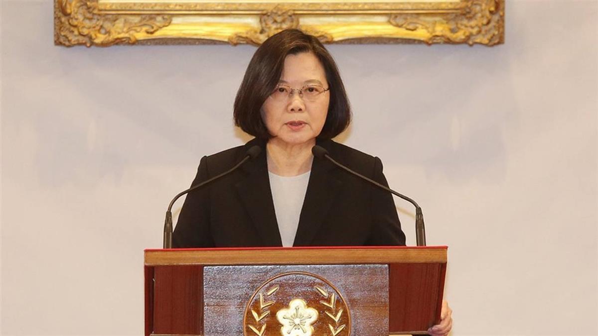 蔡總統:相信民主價值堅定信念 台灣就不孤單