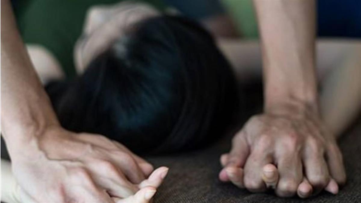 女大生教室狂睡遭非禮!醒來驚覺黏黏的 崩潰:想剝全身皮