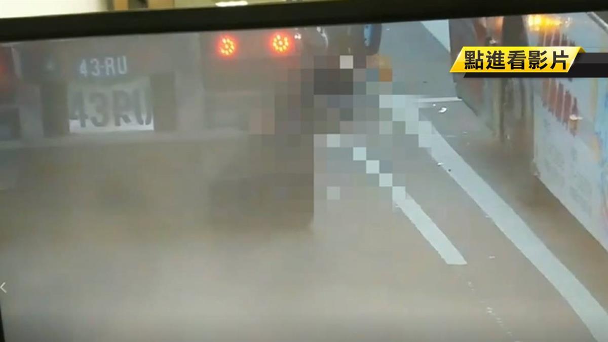 兩大車夾擊! 疑閃躲公車 女擦撞大客車遭輾亡