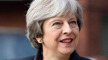 英國會表決不信任動議  首相梅伊驚險過關