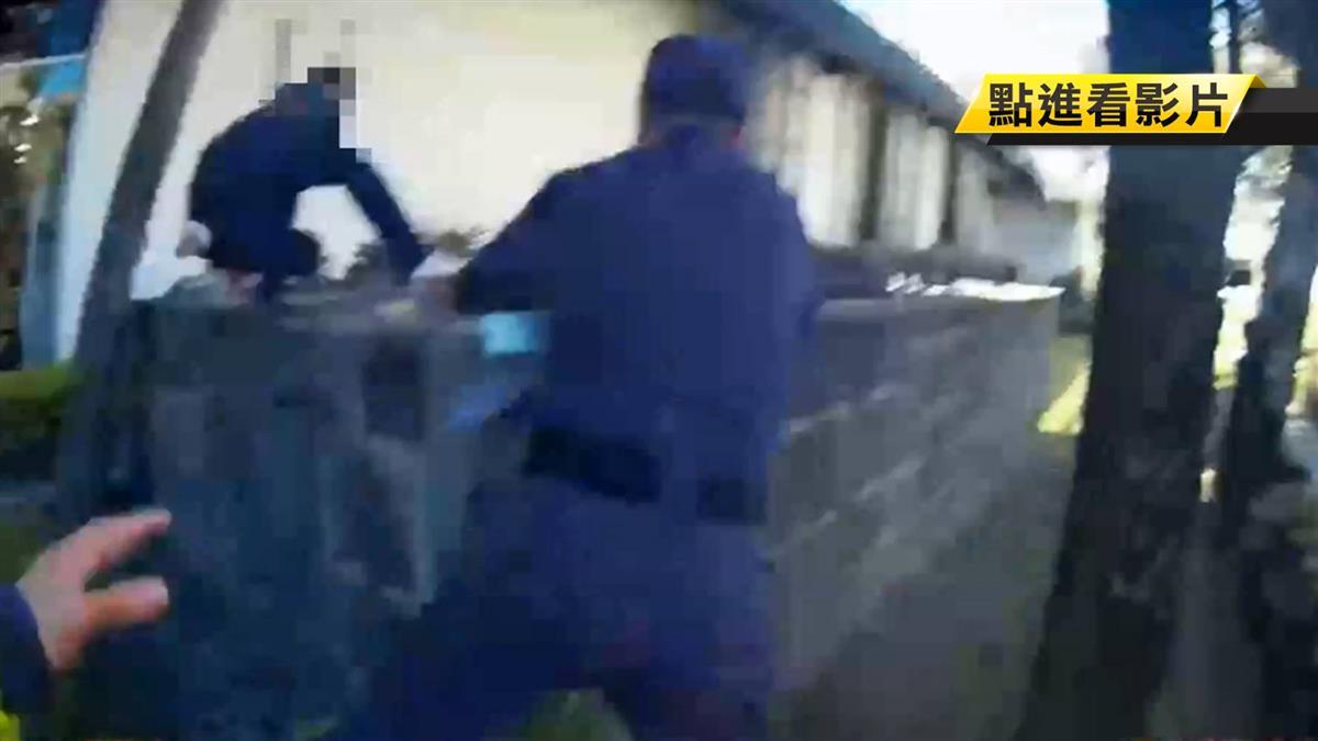 【獨家】肘擊落跑!闖紅燈被攔拒檢 毒犯襲警後奔逃