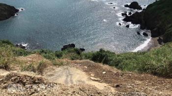 驚!水泥車翻覆宜蘭豆腐岬海域 駕駛送醫
