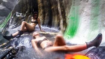 台灣最美野溪栗松溫泉 遇見彩虹般的夢幻野溪溫泉!