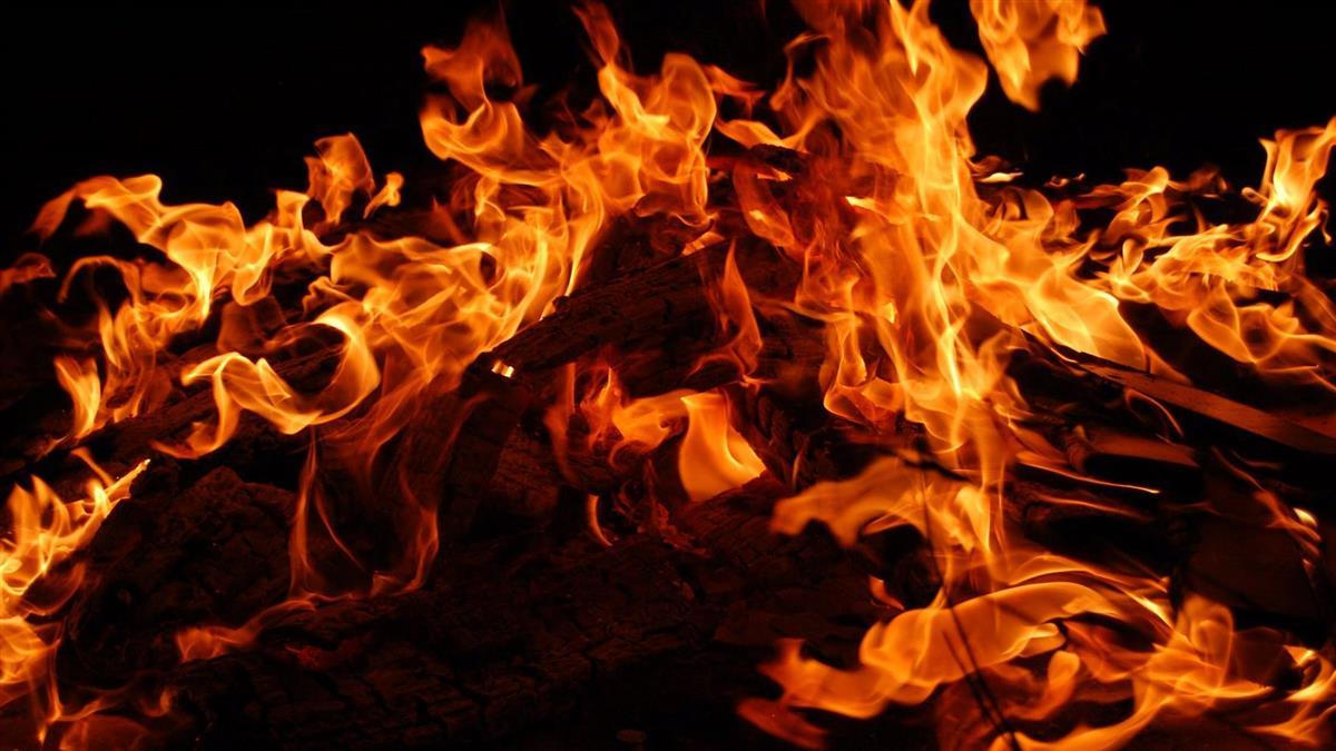 台南下營木材行火警 一人葬身火窟