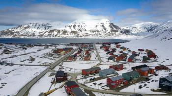 不准死!挪威神秘小鎮禁埋屍 孕婦得飛出島待產
