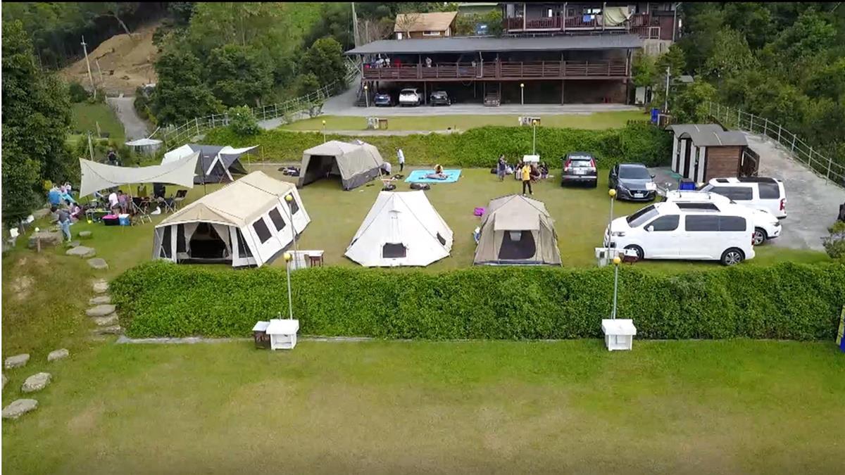 帳篷有一房一廳!MIT龍頭豪華登陸