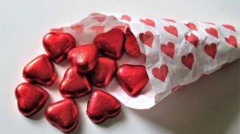 荷包大失血!情人節OL被迫送「義理巧克力」 日企頒禁令