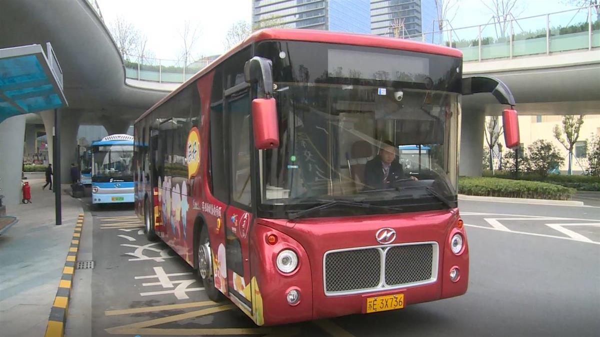 觀光巴士變「餐車」遊蘇州品美食