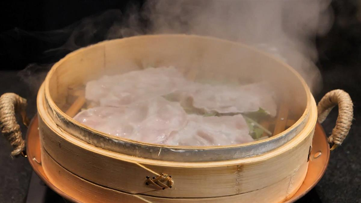 和牛火鍋桌邊秀 主廚炫技創意饗宴