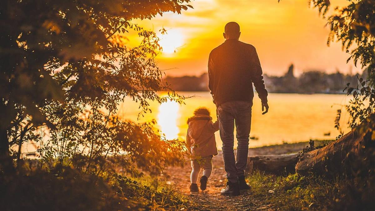 懵懂男想進直銷!逝父託夢…網淚崩:爸爸還在守護你