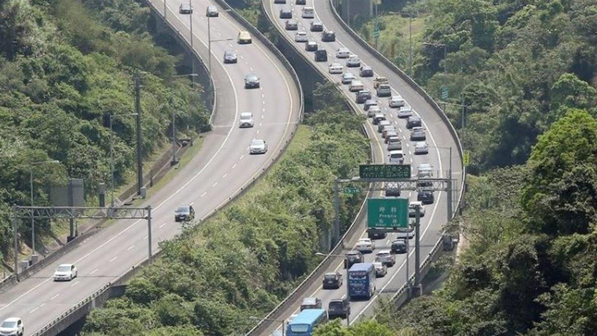 連假第2天 高公局估南下行車時間增3到5倍