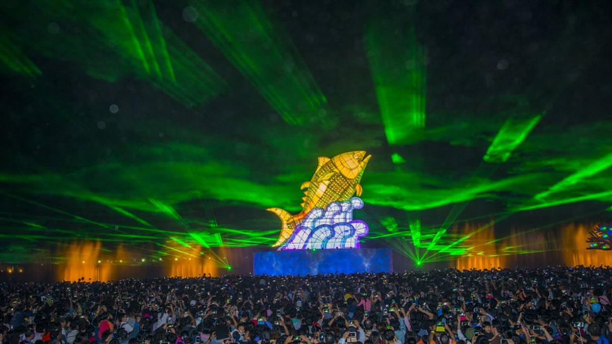 連假首日遊客創新高 台灣燈會破800萬人次
