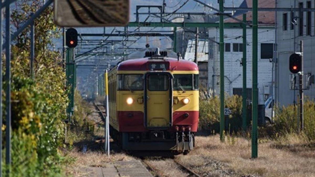 歐巴桑裝睡搶位!他想像台火車有臥鋪 網笑歪:有影音