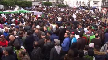 30年最大抗議潮! 阿爾及利亞數十萬人上街反總統