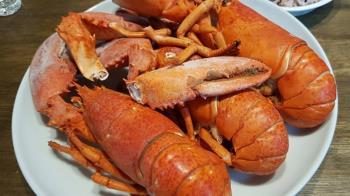 會計年度最後一個月 美國防部狂花1.4億買蝦蟹