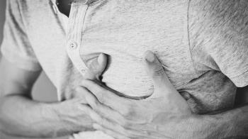 青少年突發胸痛 醫師:可能是自發性氣胸造成