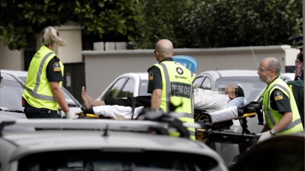 紐西蘭清真寺槍擊至少6死 槍手逃逸