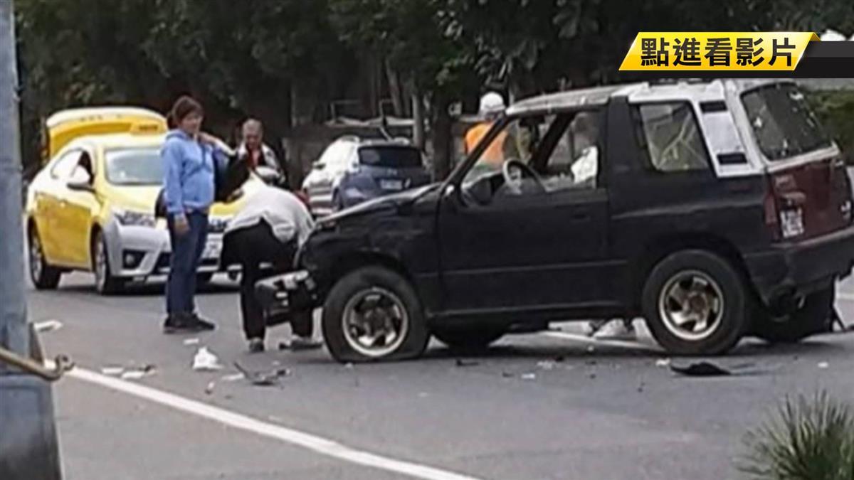 吉普車疑違規迴轉 擦撞雙載機車釀2傷!