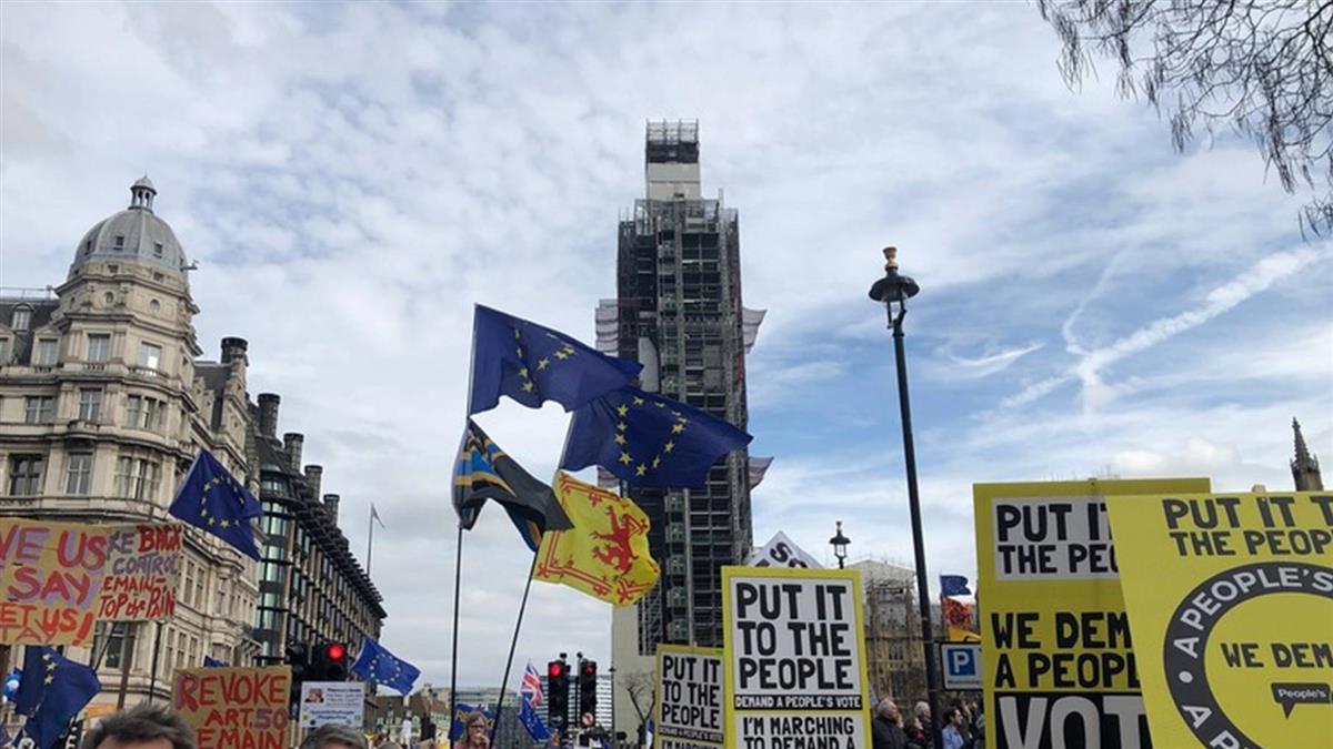 訴求舉行2次脫歐公投 倫敦遊行人數逾百萬