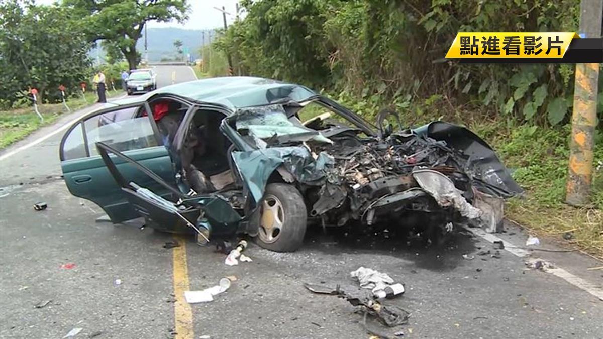 狹路對撞! 轎車逆向超車 撞貨車釀1死