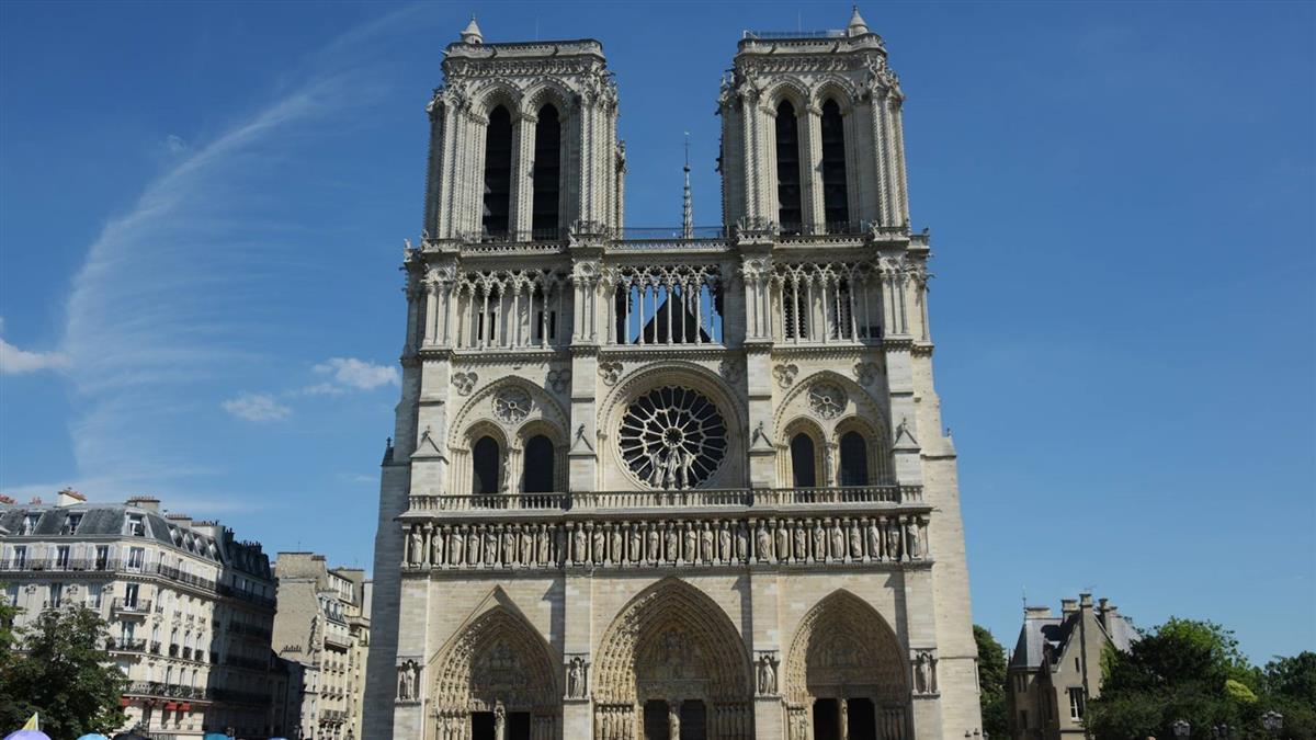 屋頂全毀!巴黎聖母院4大神物恐難復原