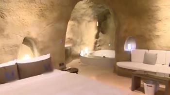 獨/穿越遠古時代...超狂旅館把原始洞穴搬進摩鐵