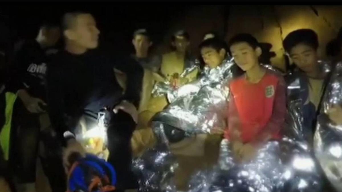 泰足球隊受困洞穴18天神救援 將登上Netflix