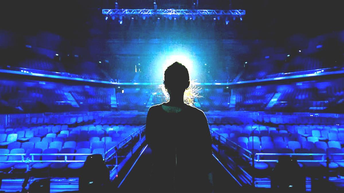 楊丞琳曝家人皮膚癌 坐地爆哭中斷演唱會