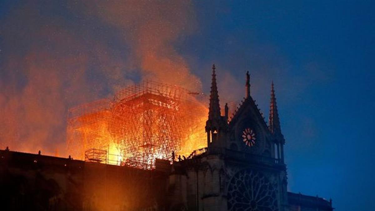 聖母院救火變英雄 6消防員輪流性侵女大生被捕
