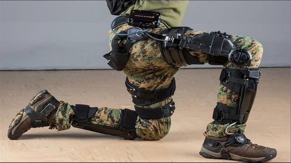 揹重20公斤爬15度斜坡?美開發新系統組鋼鐵人戰隊