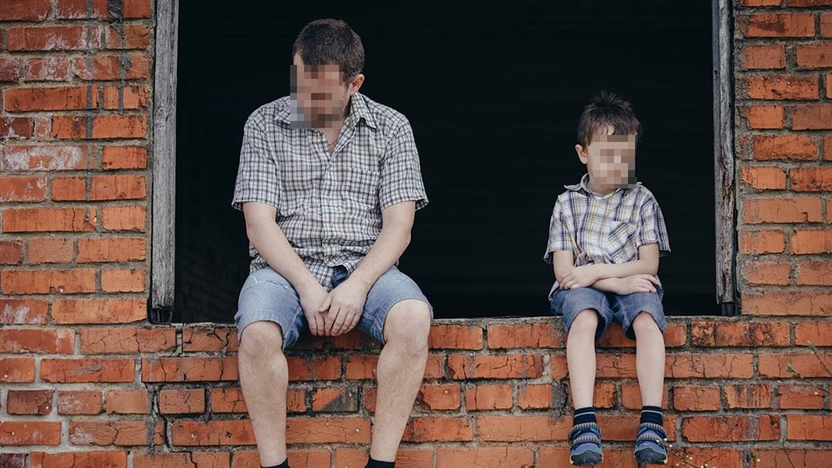 老了不該生我!9歲兒淚嗆70歲父 挨巴掌忍淚領藥