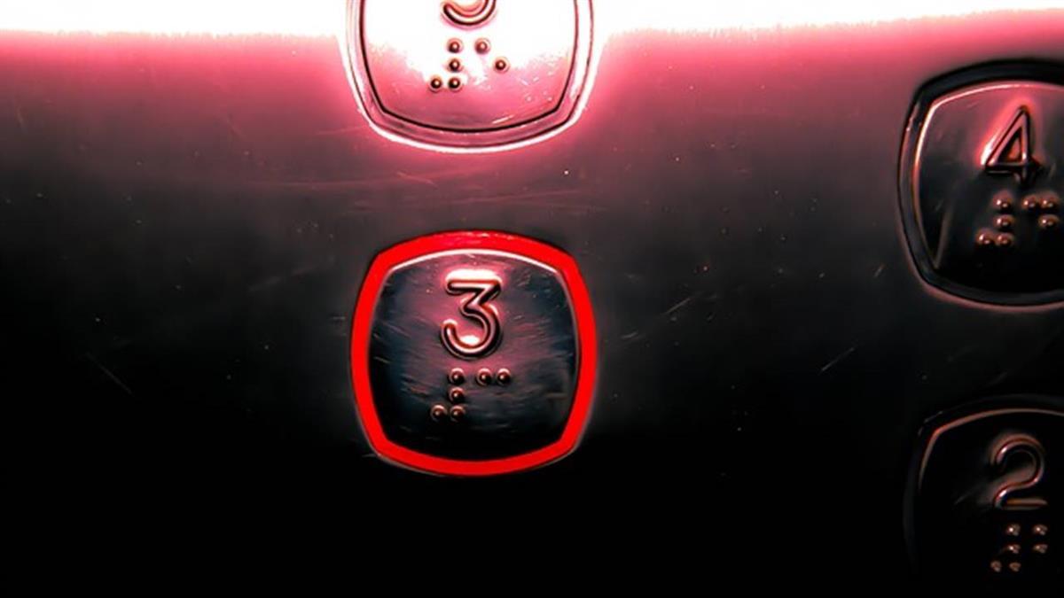 凌晨2點搭電梯!外科醫師遇病患 回神驚覺不妙