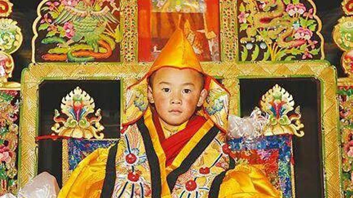 西藏高僧靈童轉世 生前預言:你是我媽!
