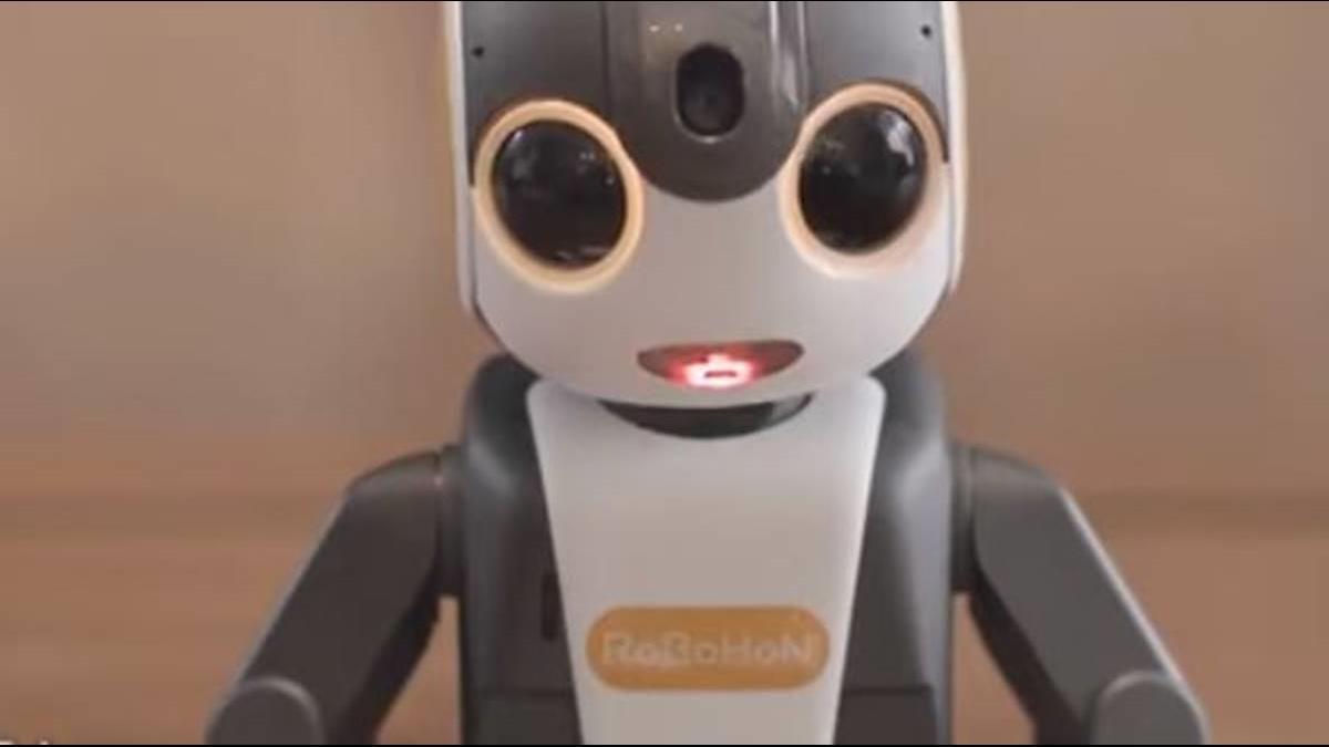 靠日劇暴紅! 夏普推第2代機器人功能升級