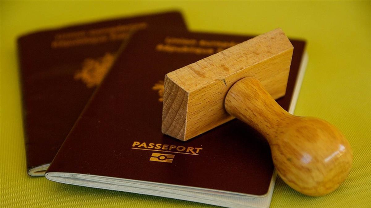 花10萬買假護照!假外籍生入侵美國學校