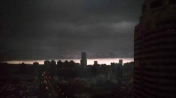 高雄「世界末日」照曝光!網嚇壞:被雷雲吞沒