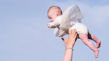 玩「飛高高」閃到腰 她失手摔死友人2歲兒