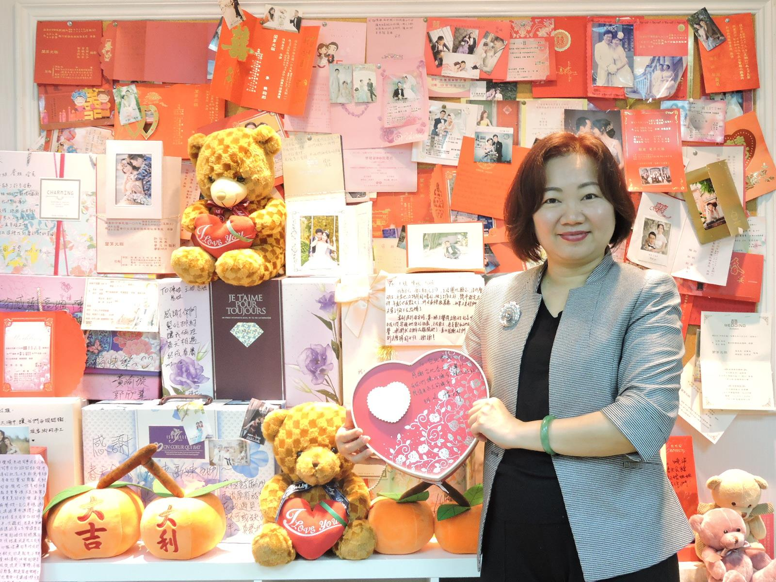 33年配對超過上萬對佳人,春天會館總經理黎雅芳:喜餅每天吃不完!