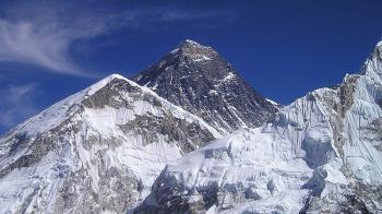 聖母峰攻頂大塞車  2登山客喪生