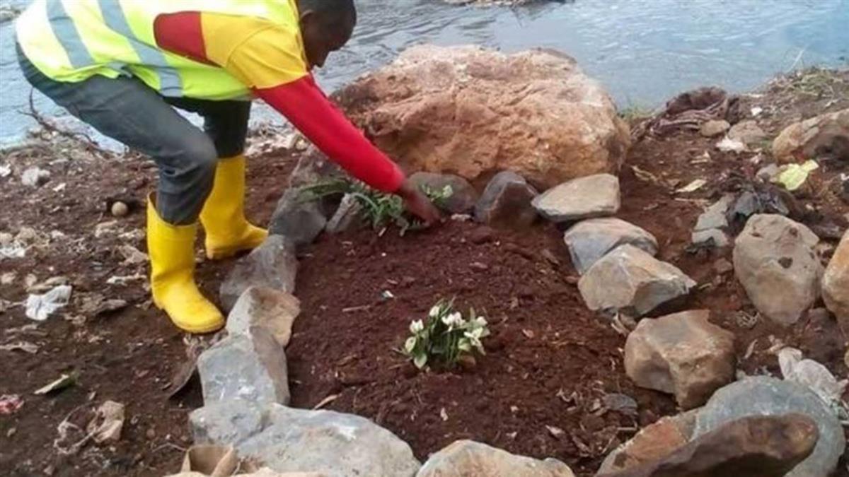 肯亞清理河流垃圾 驚見14具人類遺體