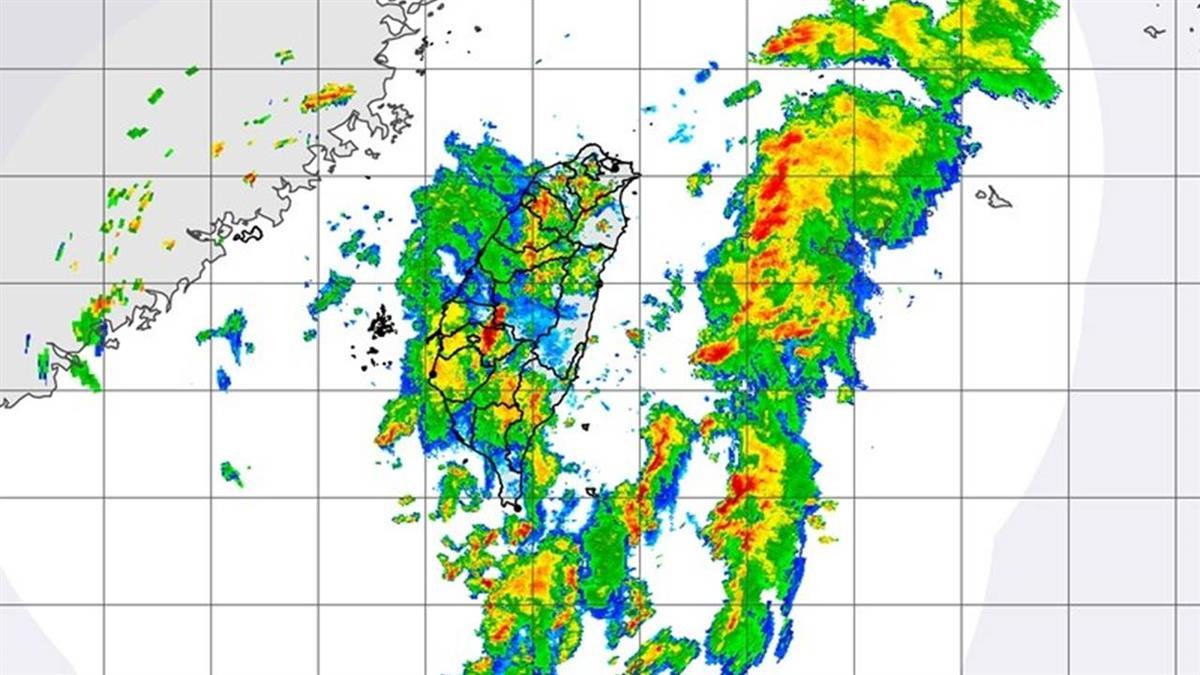 雷聲大作!午後對流旺 17縣市防短時強降雨