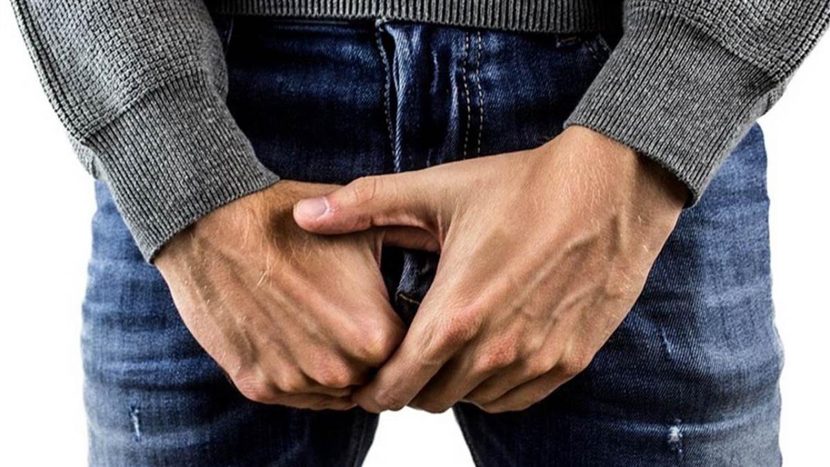 男DIY射出血!醫揭4主因警告:恐是癌症