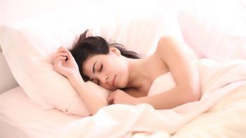 睡覺開夜燈較安心?美研究:當心變胖!