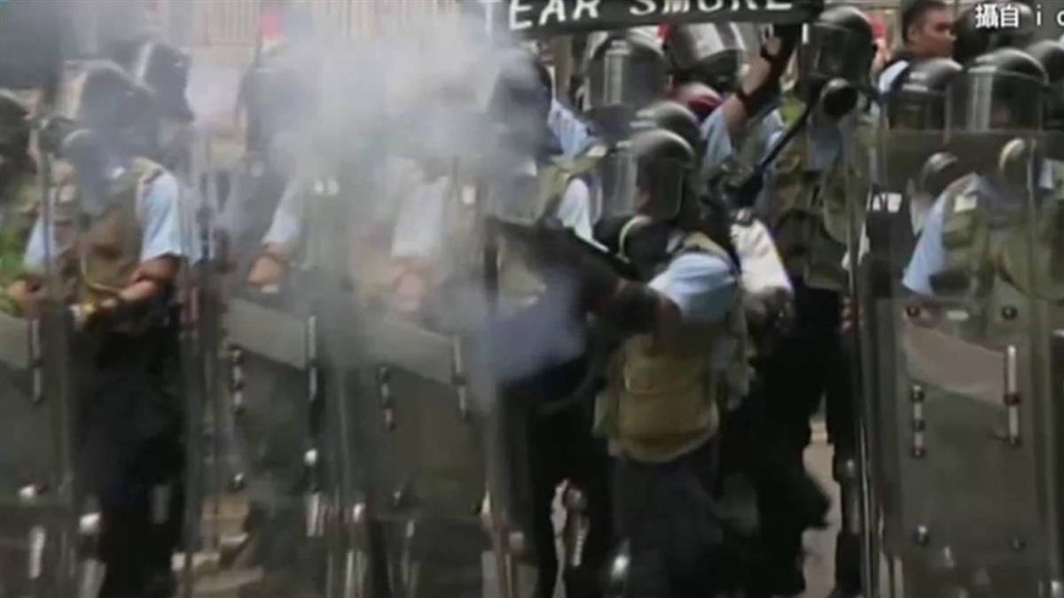反送中示威 港警祭「4大武器」強勢鎮壓