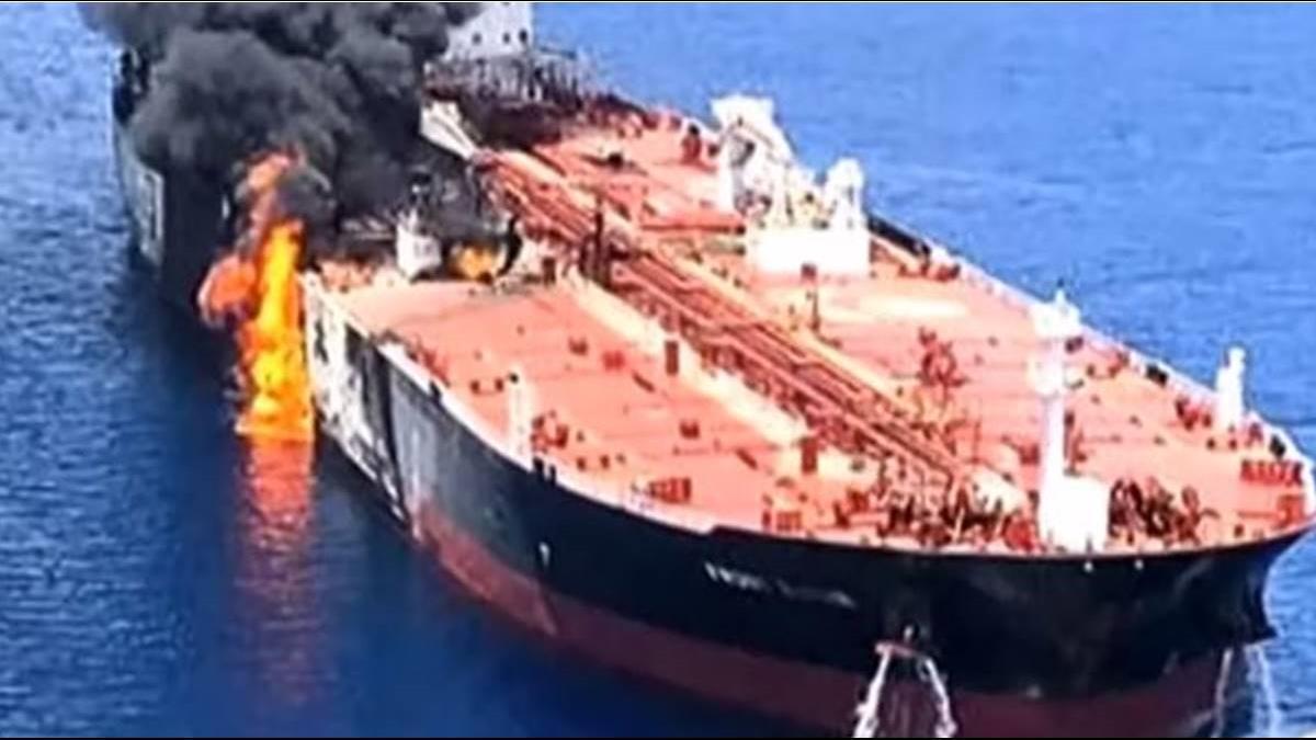 揭秘! 中油油船被炸前夕 伊朗4潛艇突然神秘消失