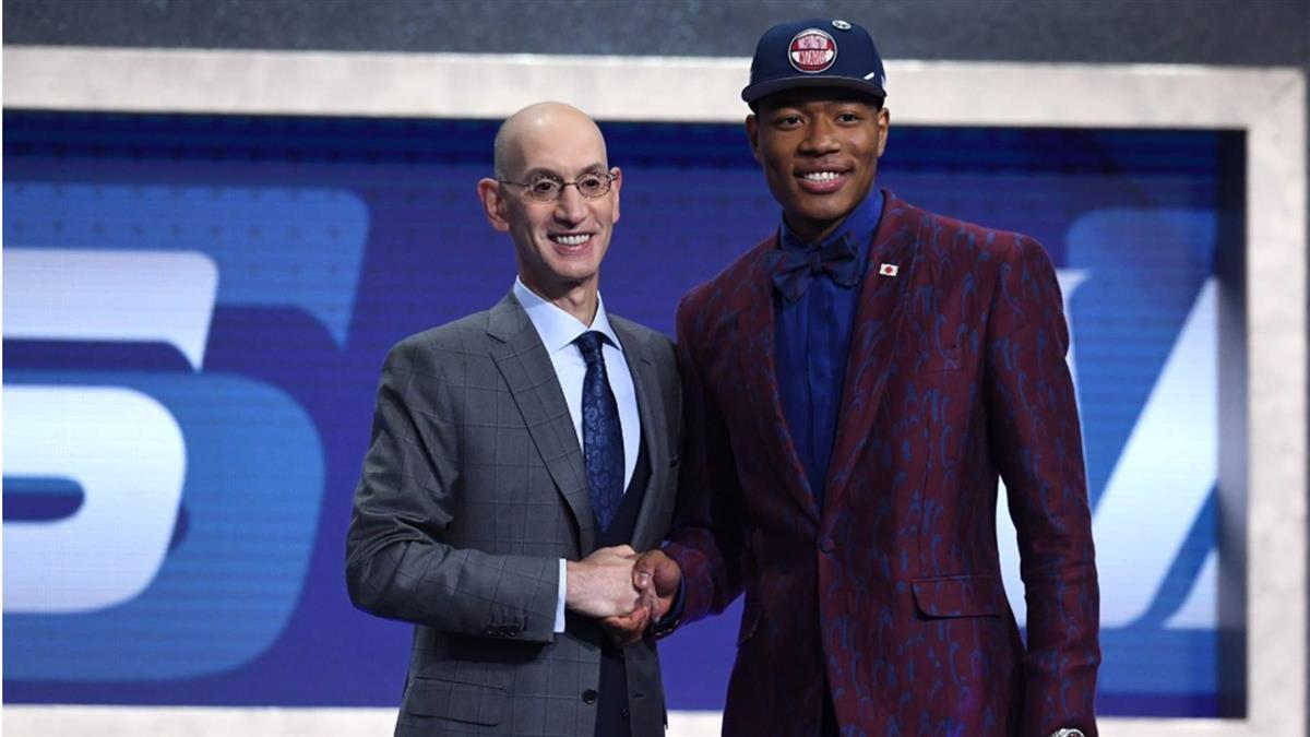教練一句你將來要打NBA  八村壘棄棒從籃