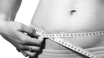 半年體重飆升8kg 狂吞減肥藥!女腹痛秒生產