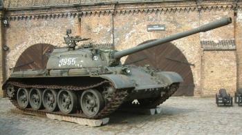 最重關8年!他喝茫飆T-55二戰坦克上街還載人